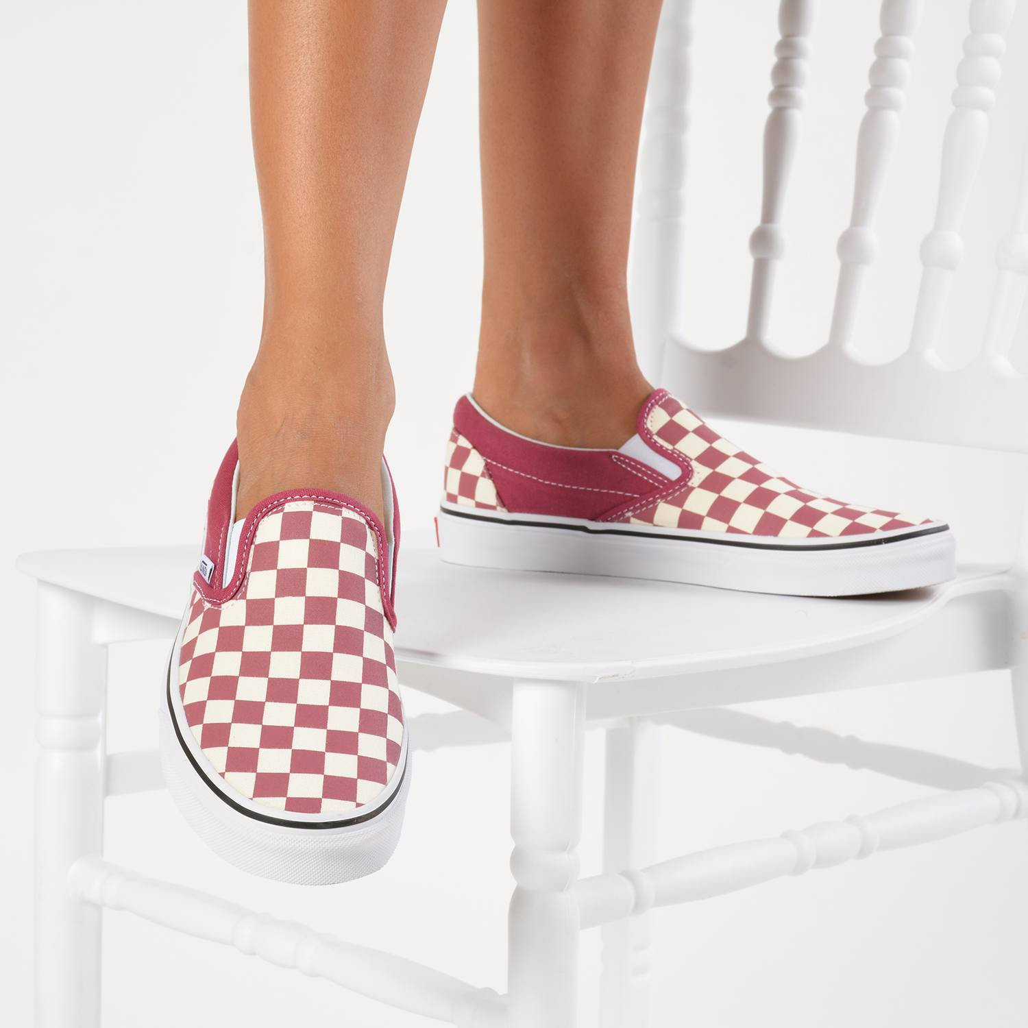 Vans Color Theory Checkerboard Classic Slip-On Shoes (9000017827_35664)