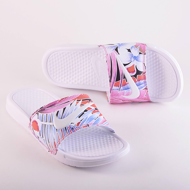 Nike Benassi | Women's Slides