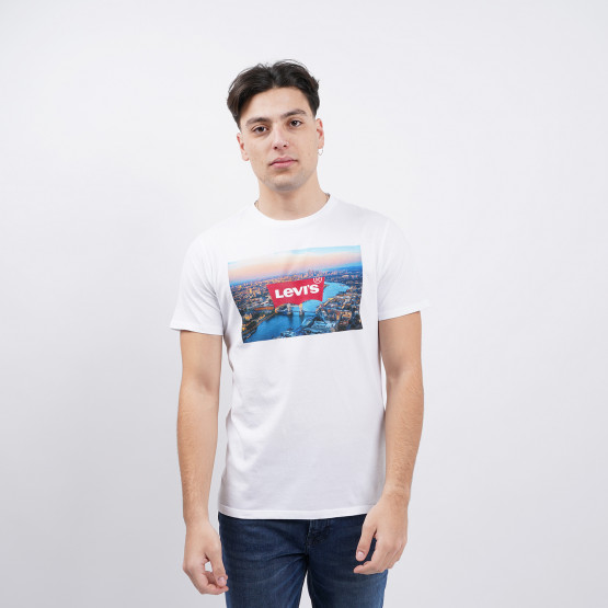 Levis Destination London Men's T-Shirt