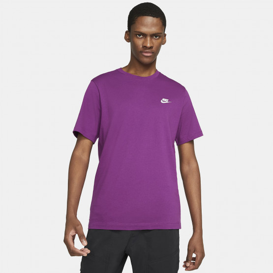Nike Club Embroidered Men's T-Shirt photo