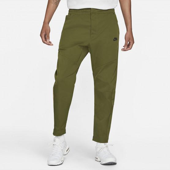 Nike Sportswears Tech Essentials Men's Track Pants